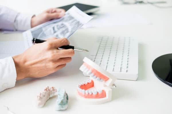 протез зуба цена